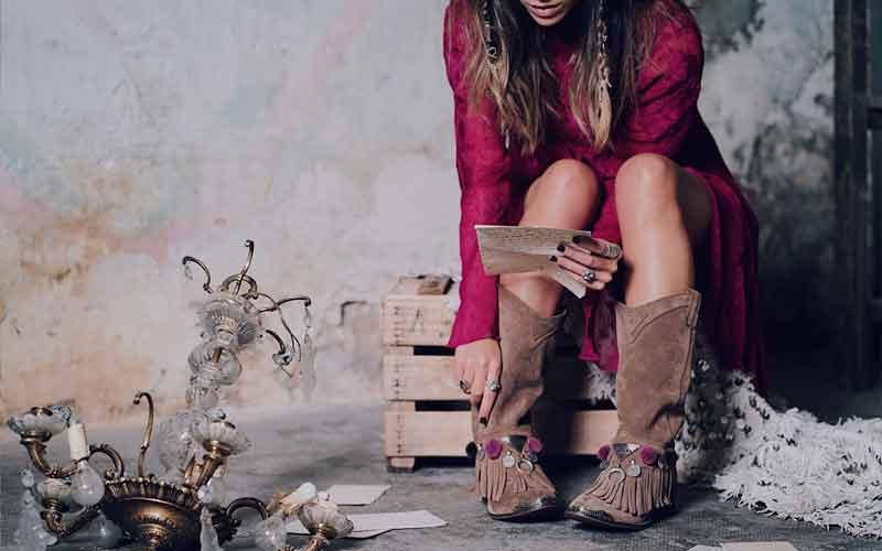 Modelo Laura Matamoros de las Layer Boots