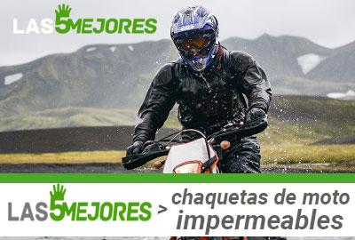 Usar chaqueta de moto impermeable